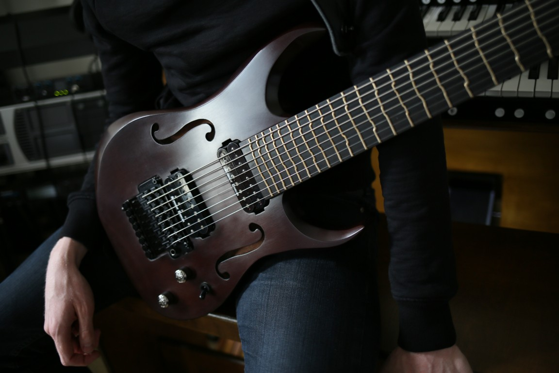 manton-customs-8-string-tt-guitar